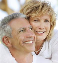 Dantų implantai suteikia komfortą ir pasitikėjimą savimi