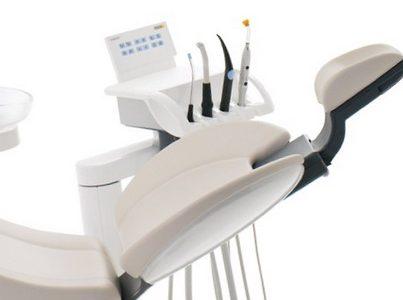Nuo profilaktinės apžiūros iki dantų implantavimo